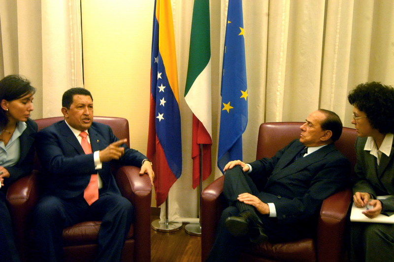 chavez_berlusconi_ct05_ridimensionare_large.jpg