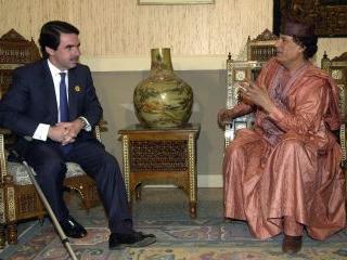 dbnews_Gadafi_Aznar.jpg