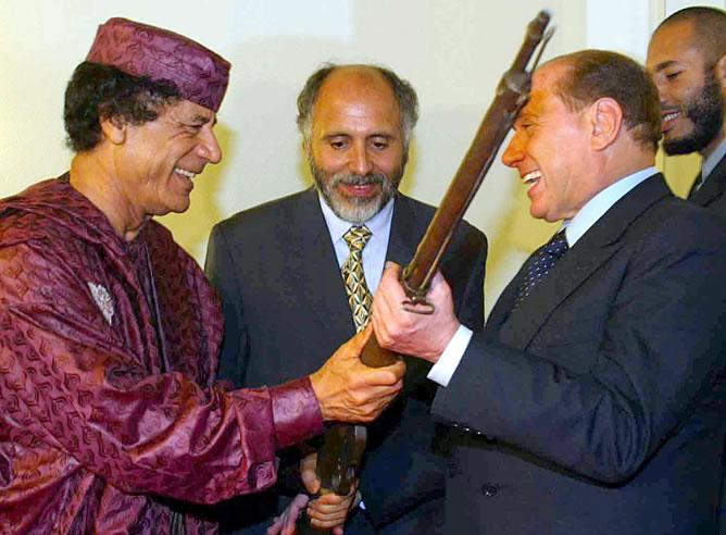 rifle-Gadafi.jpg